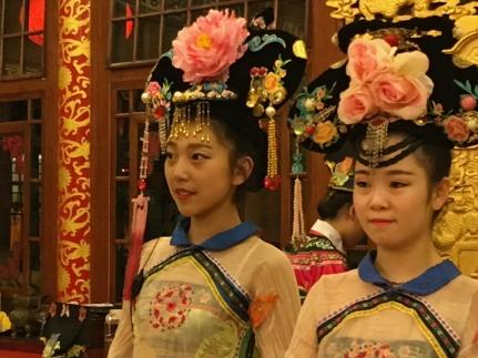 china 2 dancers